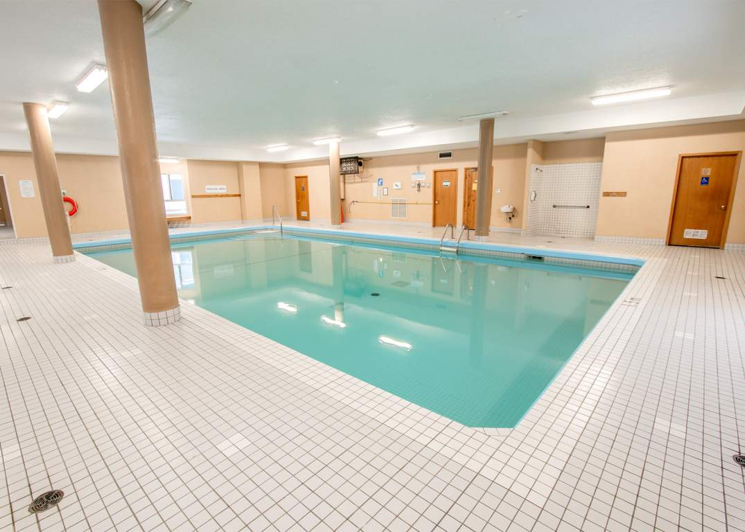City Place II London - 405 Waterloo St - Indoor Pool