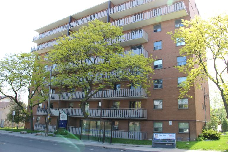 Dundurn Court Apartments