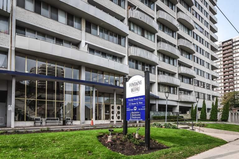 Fontainebleau Apartments