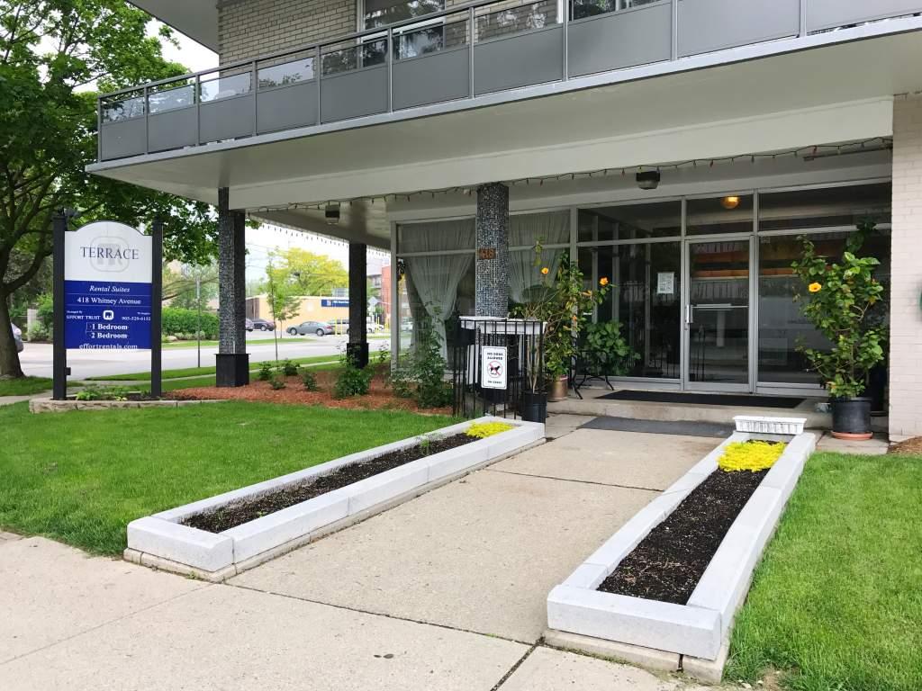Terrace apartments 418 whitney avenue hamilton effort for 400 university terrace