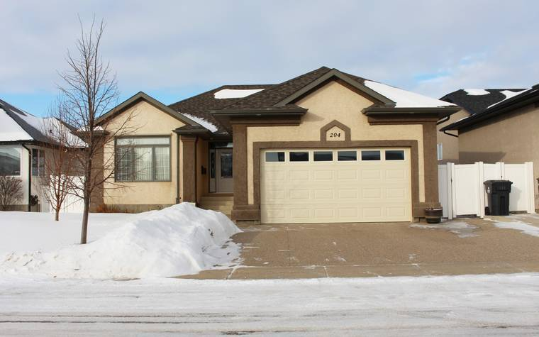 Warman House for rent, click for more details...