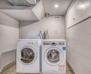 Home For Rent in  203 John St N, Hamilton, ON