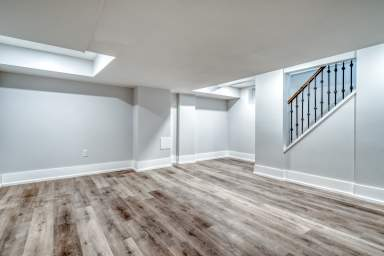 Home For Rent in  77 Barnesdale Blvd, Hamilton, ON