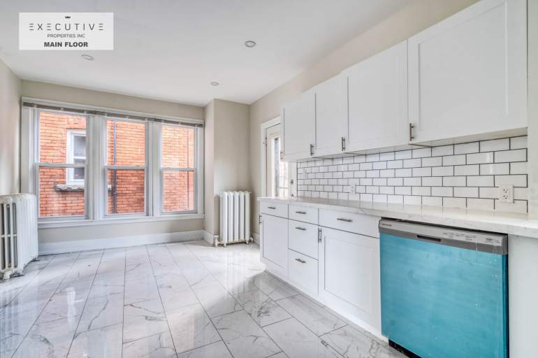 SPACIOUS TWO BEDROOMS - YOU'LL LOVE
