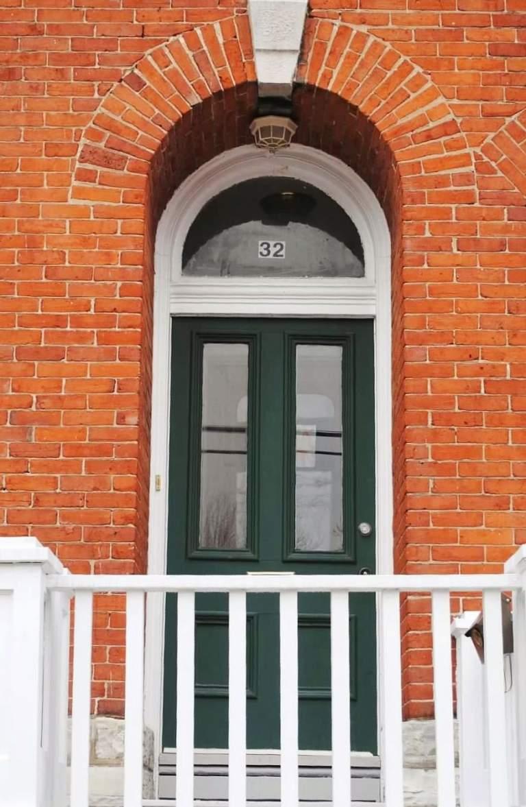 32 Wellington Street