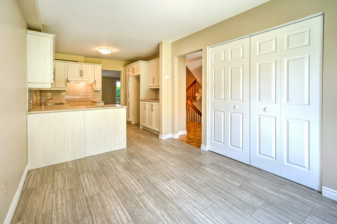 Beaconsfield Townhouse for rent, click for more details...
