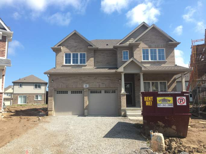Thorold Luxury 2BDRM Basement Apartment