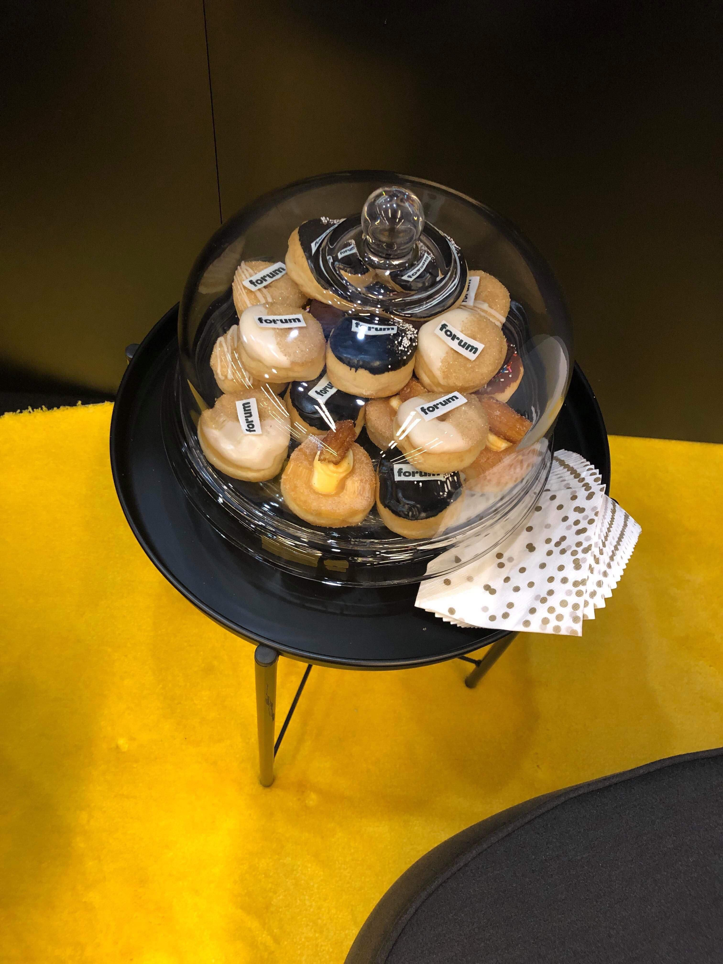 Forum Booth with Cupcakes at ICSC Montreal