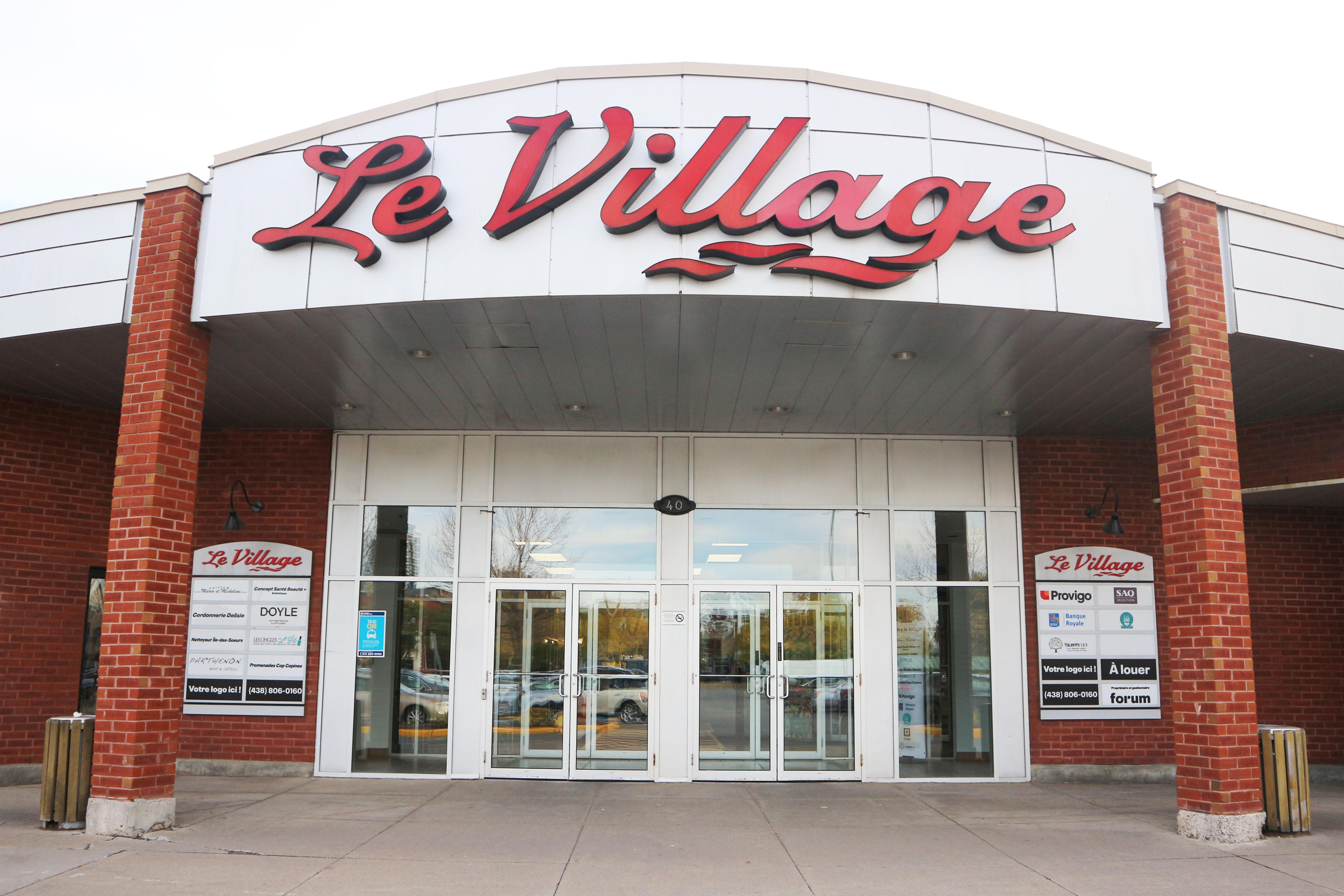 Centre Le Village - Front door