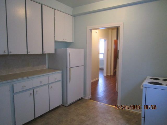 Winnipeg North West 2 bedroom Duplex