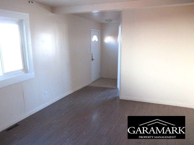 Winnipeg Manitoba Duplex for rent, click for details...