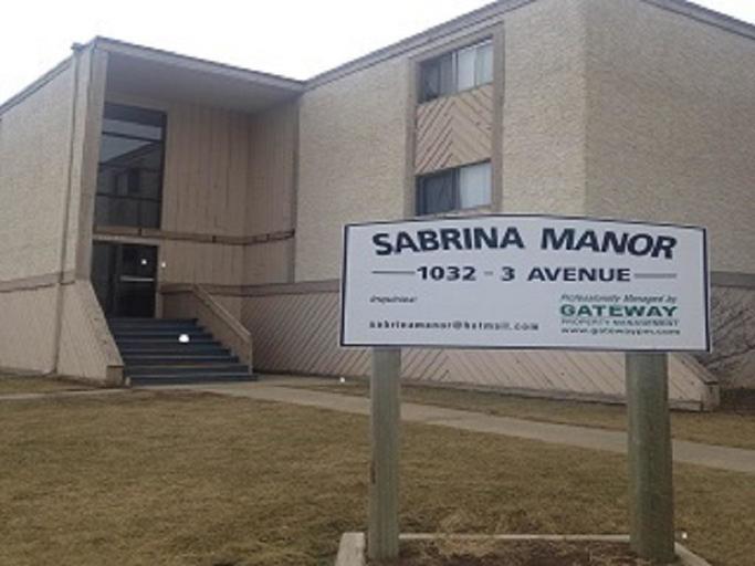 Sabrina Manor