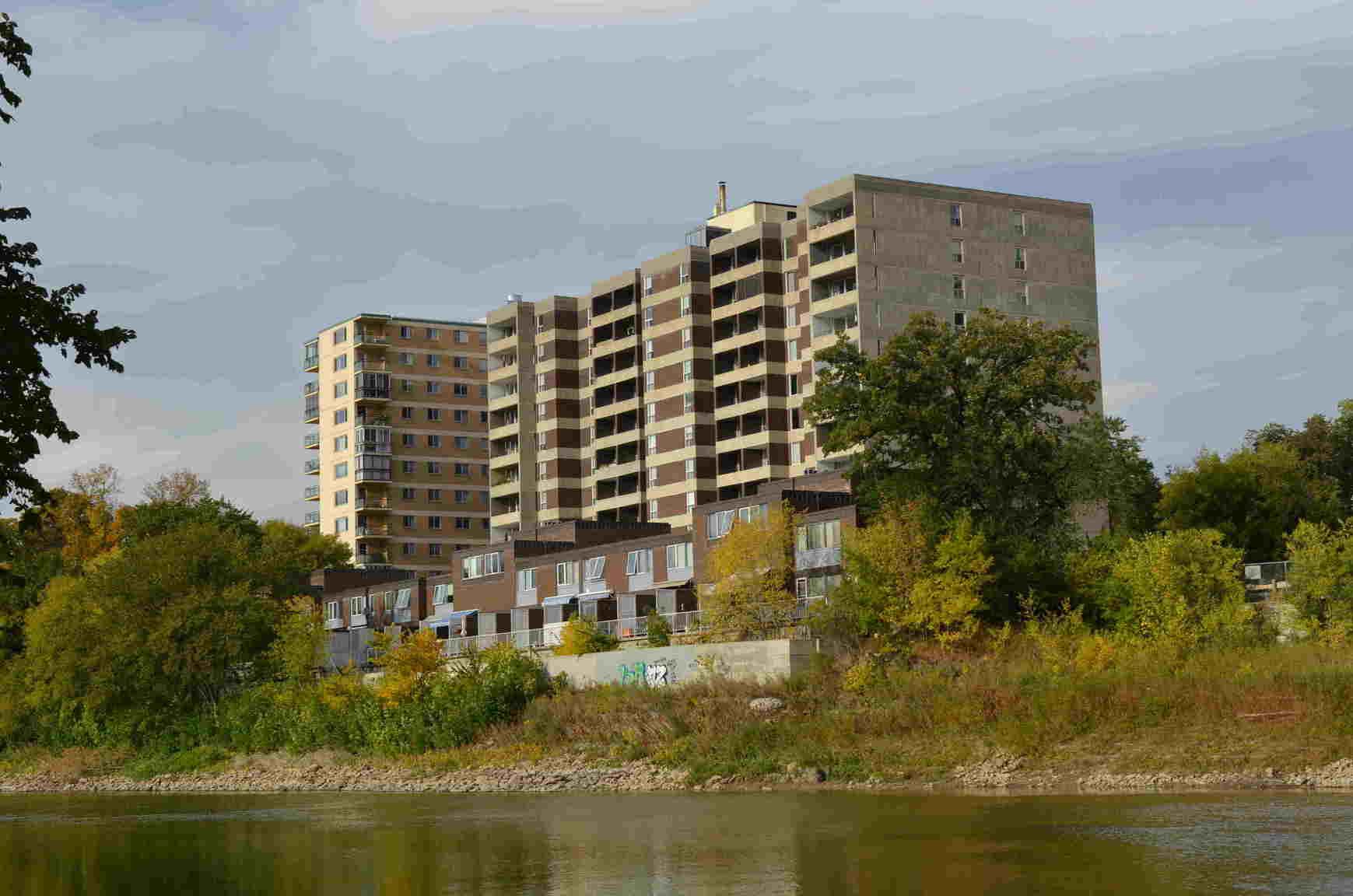 270 Roslyn Rd, Winnipeg, MB | Apartments For Rent ...