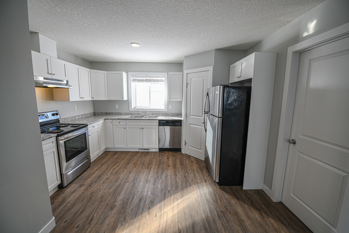 Clairmont Apartment for rent, click for more details...