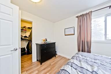 Home For Rent in  53 Castleglen Rd Ne, Calgary, AB