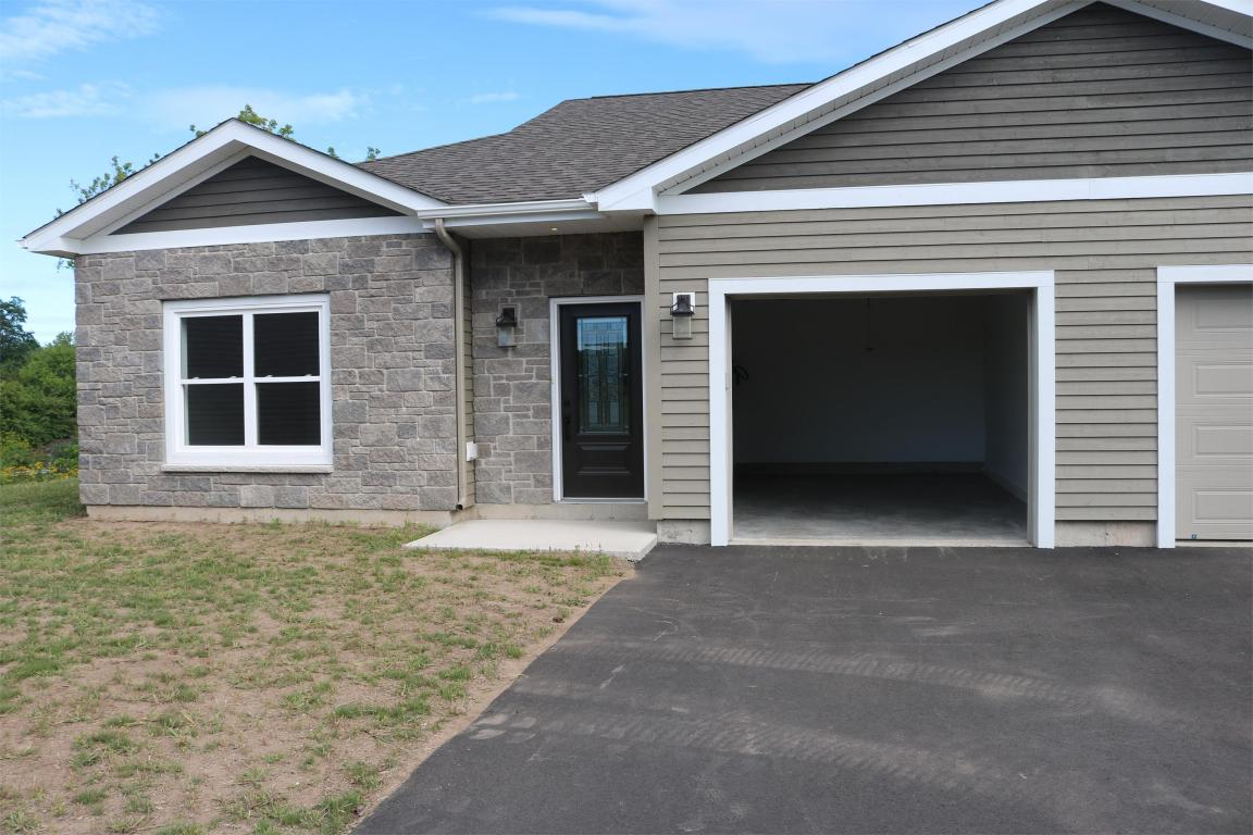 Moncton Townhouse for rent, click for more details...