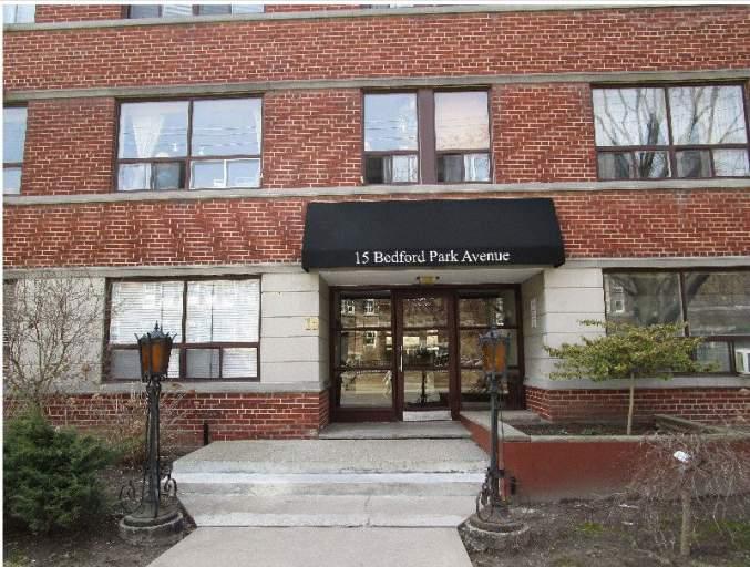 15 Bedford Park Avenue