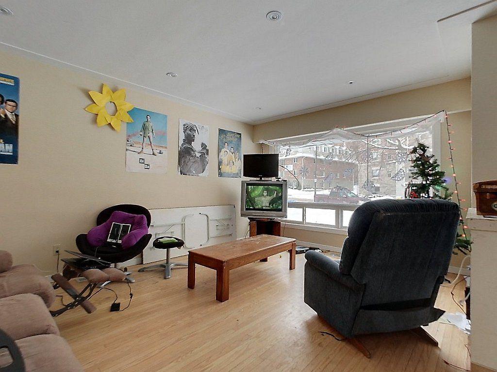 Unit 3, 329 Spruce Street- Living Room