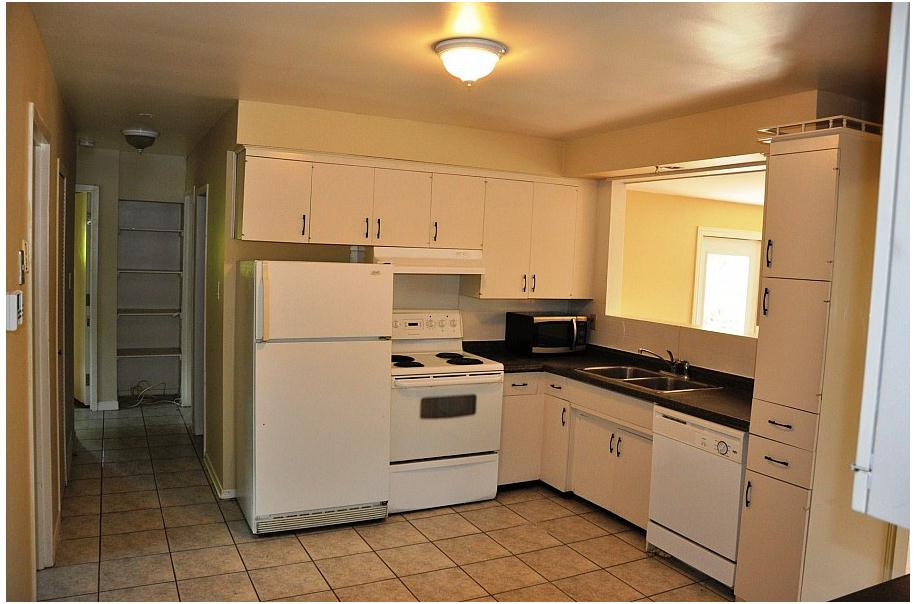 191 Cedarbrae Avenue Upper Level Unit- Kitchen