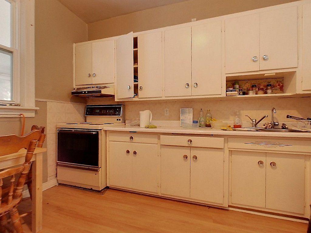 93 Regina St Noth Unit B Kitchen