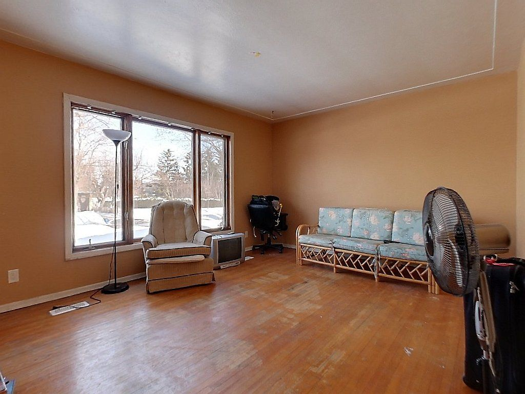 133 Marshall Street Unit 1- Living Room