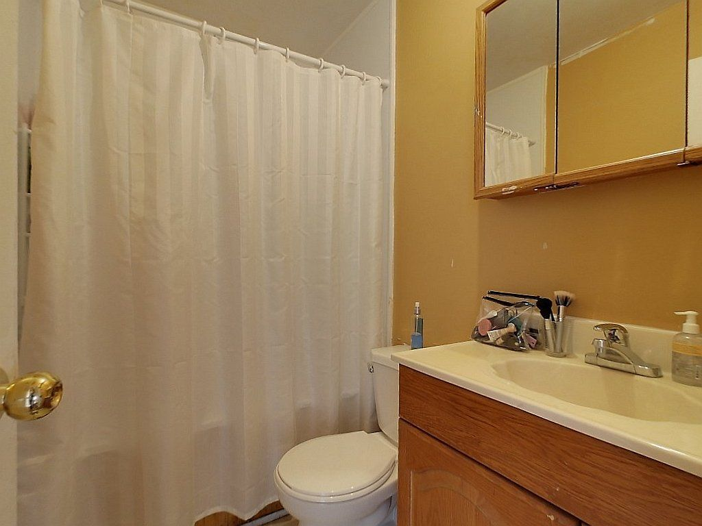 133 Marshall Street Unit 1- Washroom