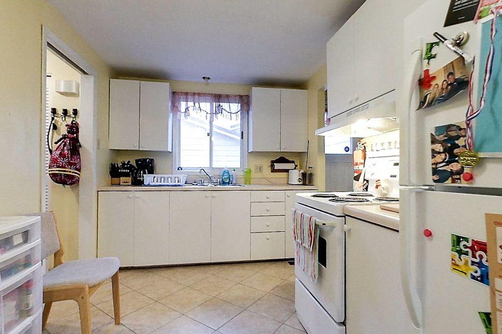 42 Amos - Main unit - Kitchen