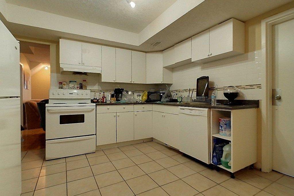Unit D - Kitchen