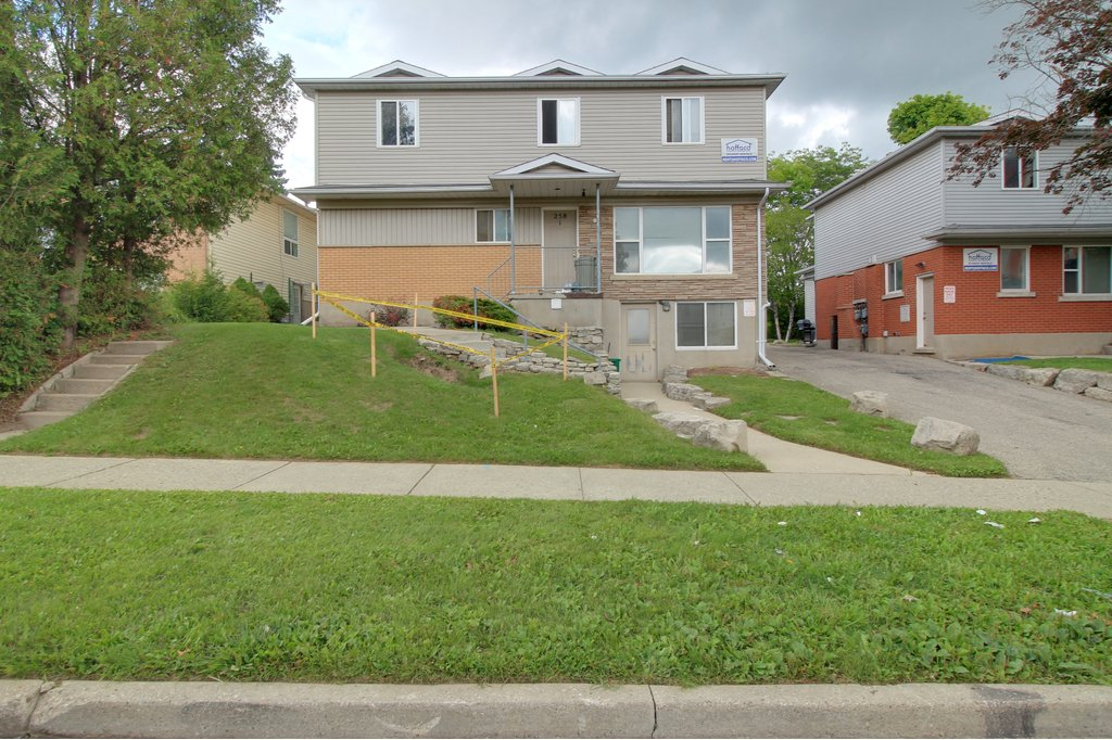 Waterloo Duplex for rent, click for more details...