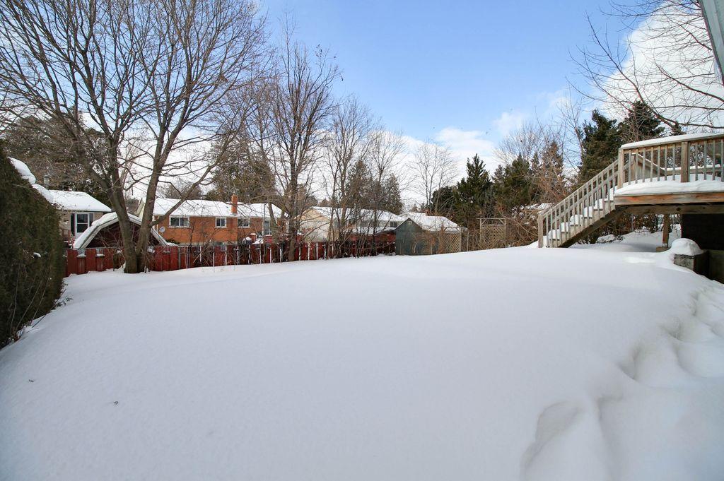122 Greenbrier - Full detached house near UW! FREE utilities.