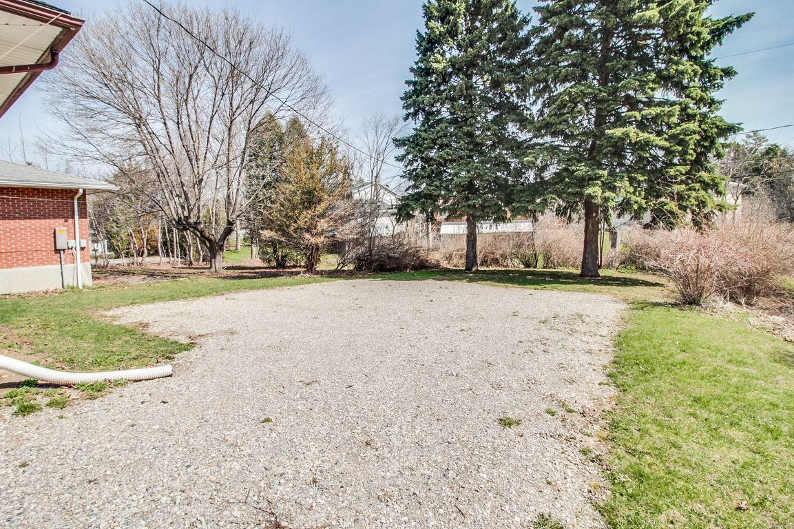 312 Lester - UW+WLU in minutes! Rare BIG house - Walk to everything!