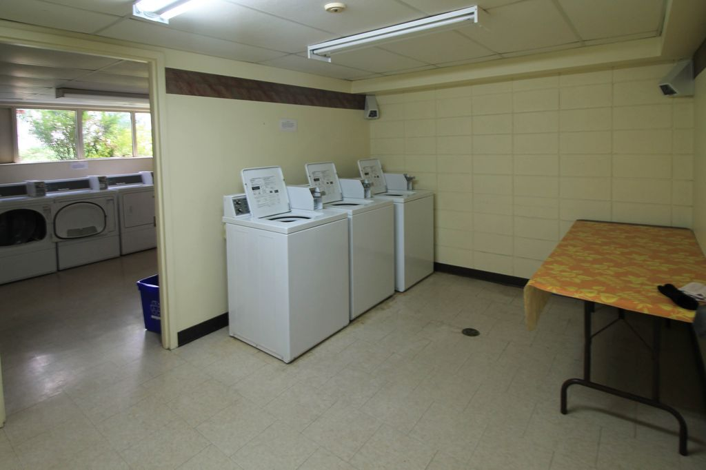 Laundry room for building