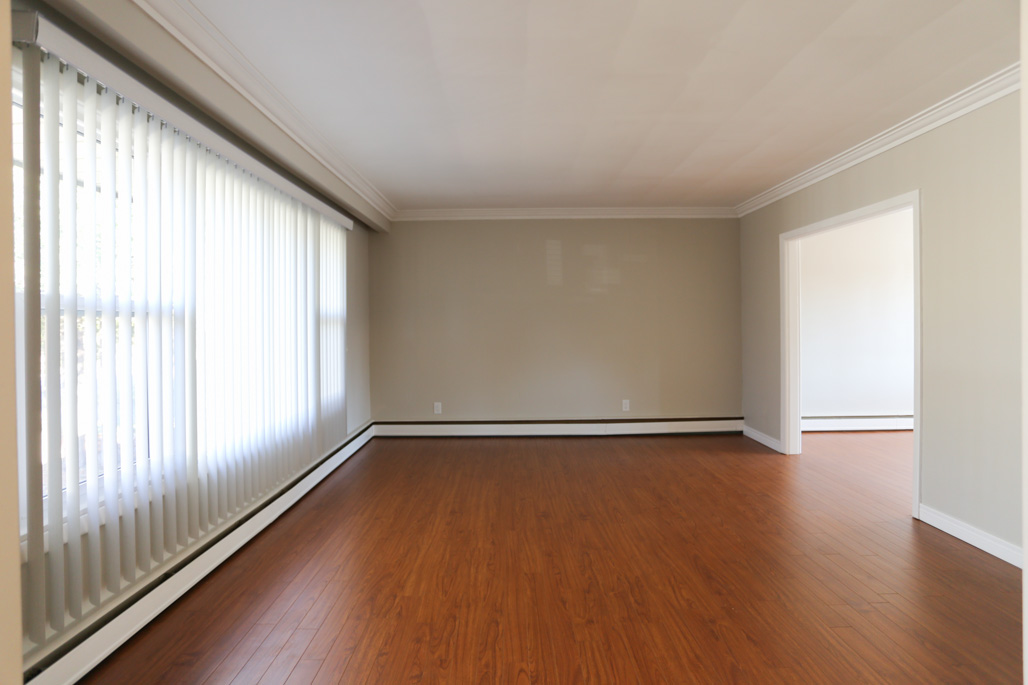 237 Dawson - Renovated detached house for rent in Westmount!