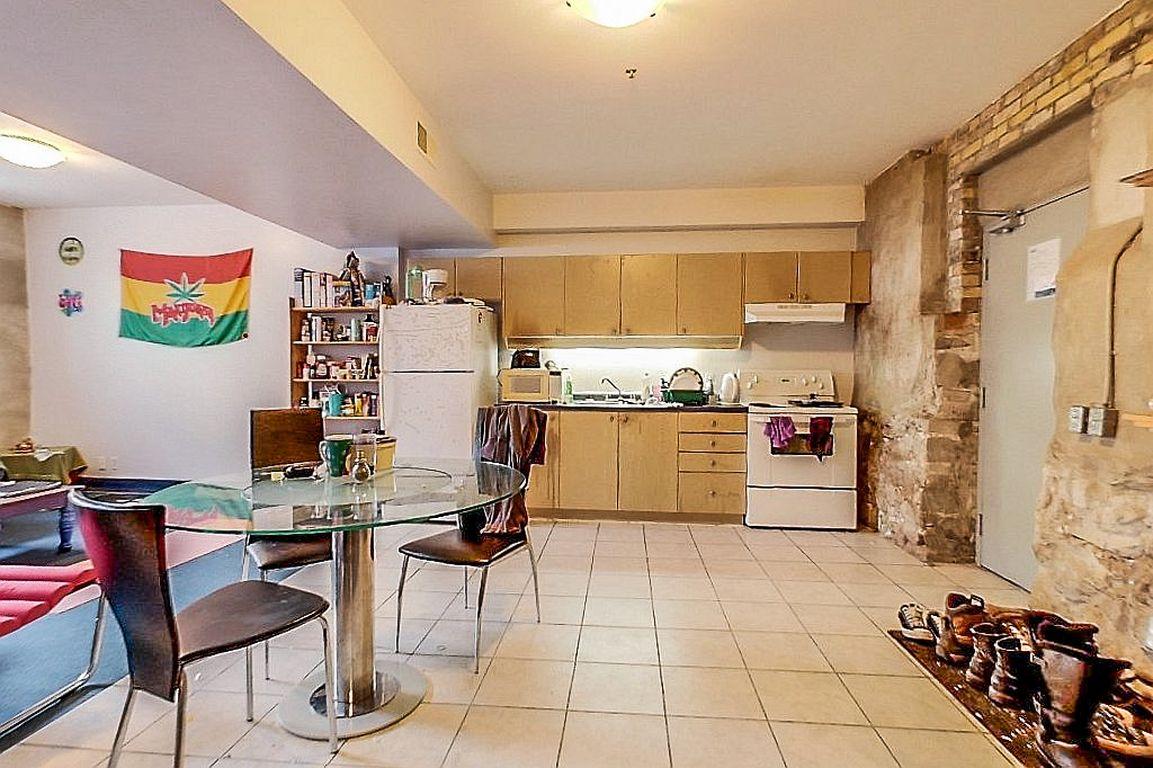 Unit 7 - Kitchen