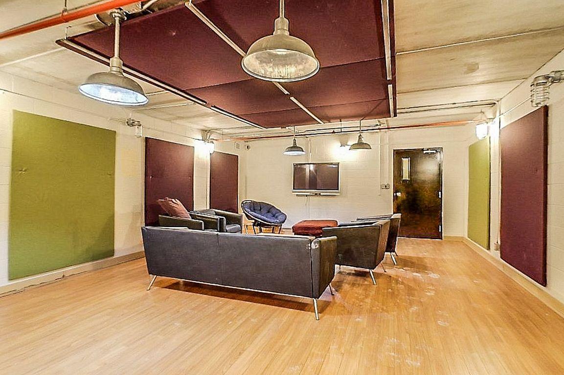 12 Bridgeport - Lounge for building