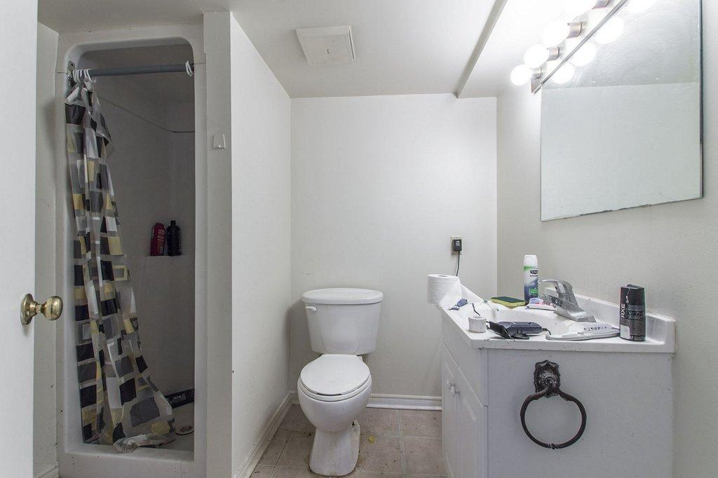 Lower washroom