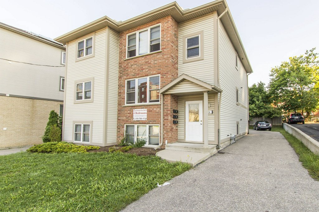14 Columbia - Students look here - 4 beds! Single or groups! Walk to school! AAA like new!