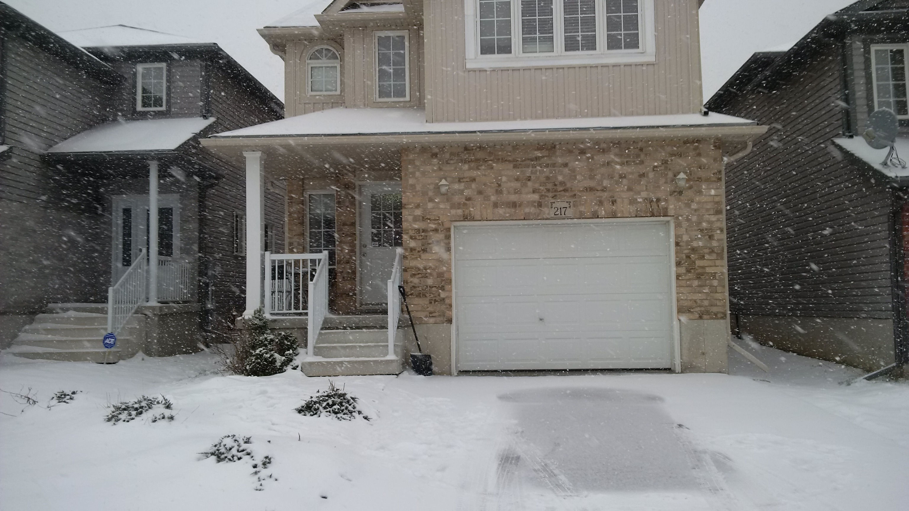 217 Featherstone - Newer detached house in south west Kitchener!