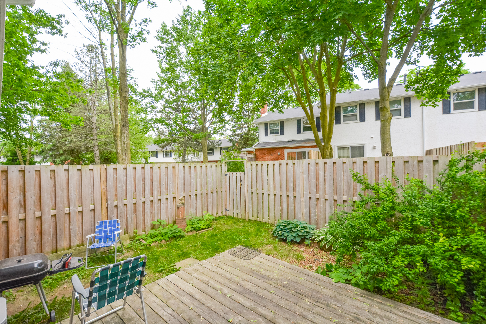 429 Keats Way - BIG three levels of space near UW! Yard!  Renovated + CLEAN! Students love it!