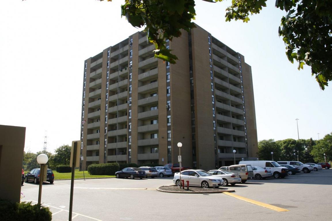 Bryden Apartments Apartments For Rent At 380 400 Waterloo