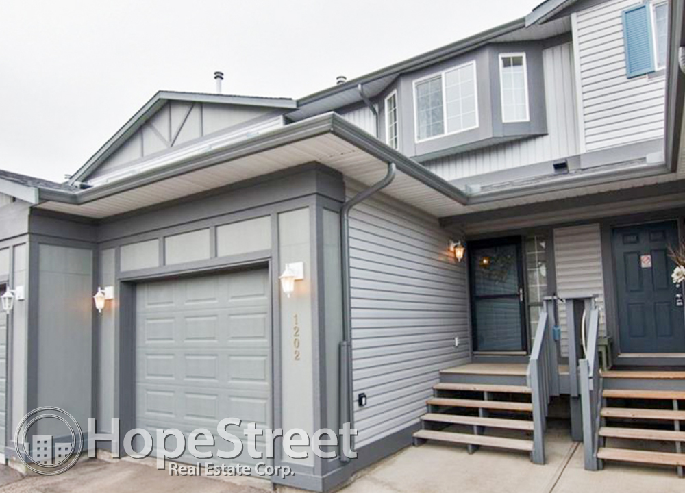 Airdrie 3 bedroom Townhouse