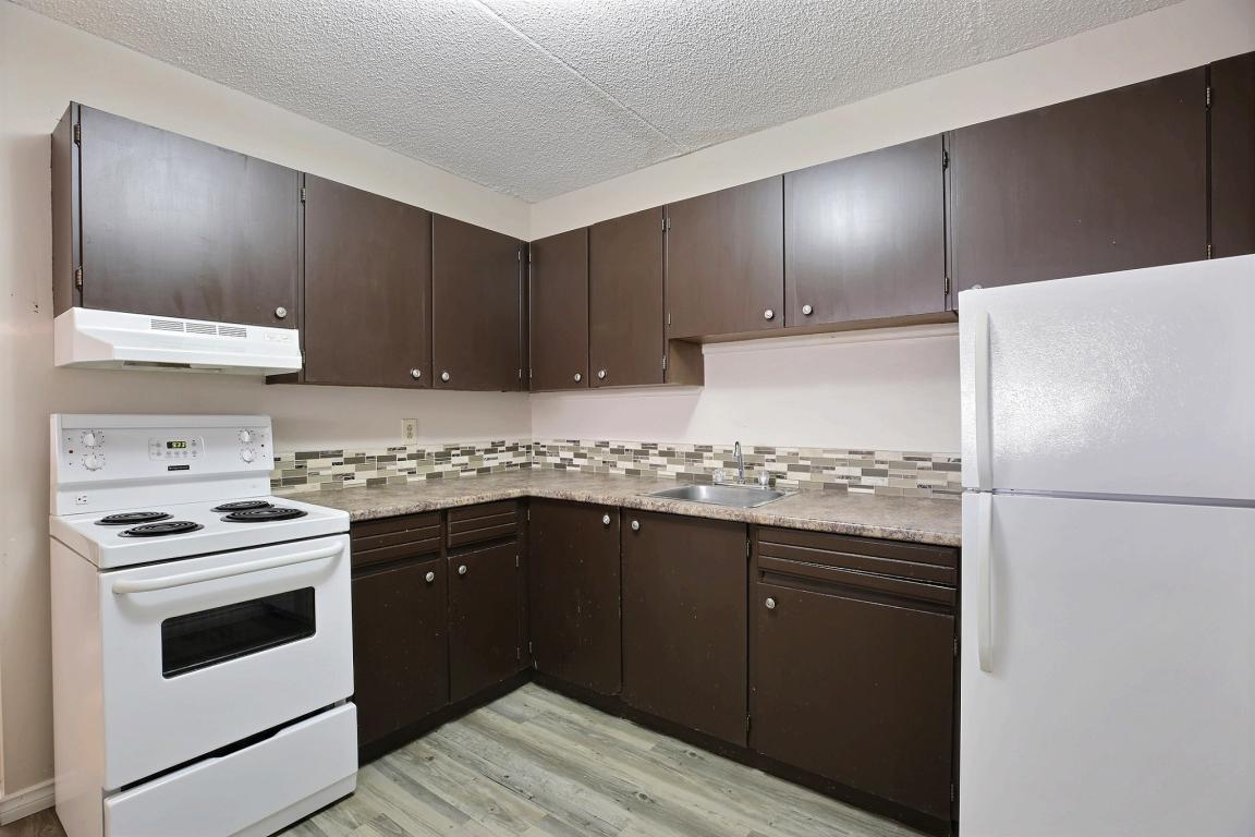5 Vaughn Street Apartments