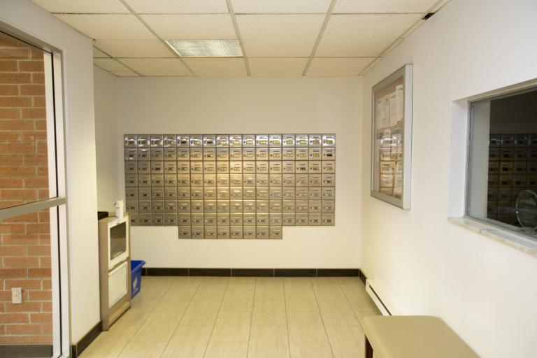 Entry / Mailroom