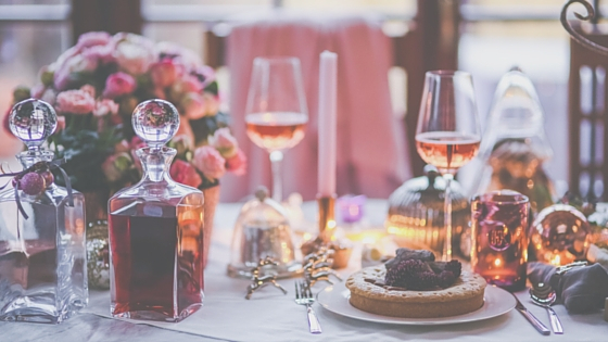 3 Tips For Hosting A Holiday Dinner Party In An Apartment