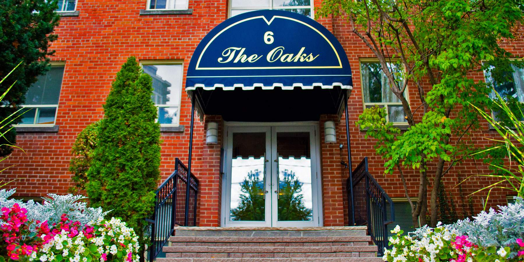 The Oaks Exterior Entrance