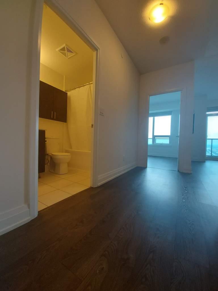 Woodbridge Apartment for rent, click for more details...