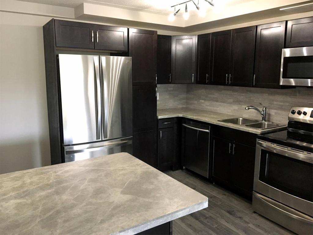 Regina Townhouse for rent, click for more details...