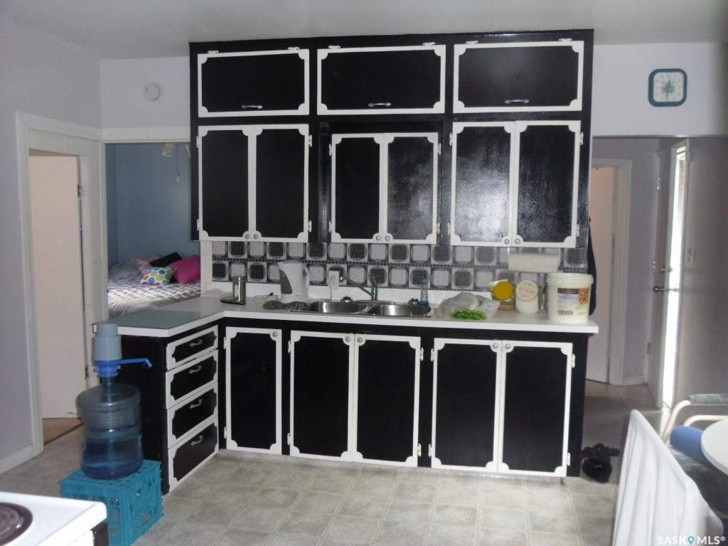 Moose Jaw Triplex for rent, click for more details...