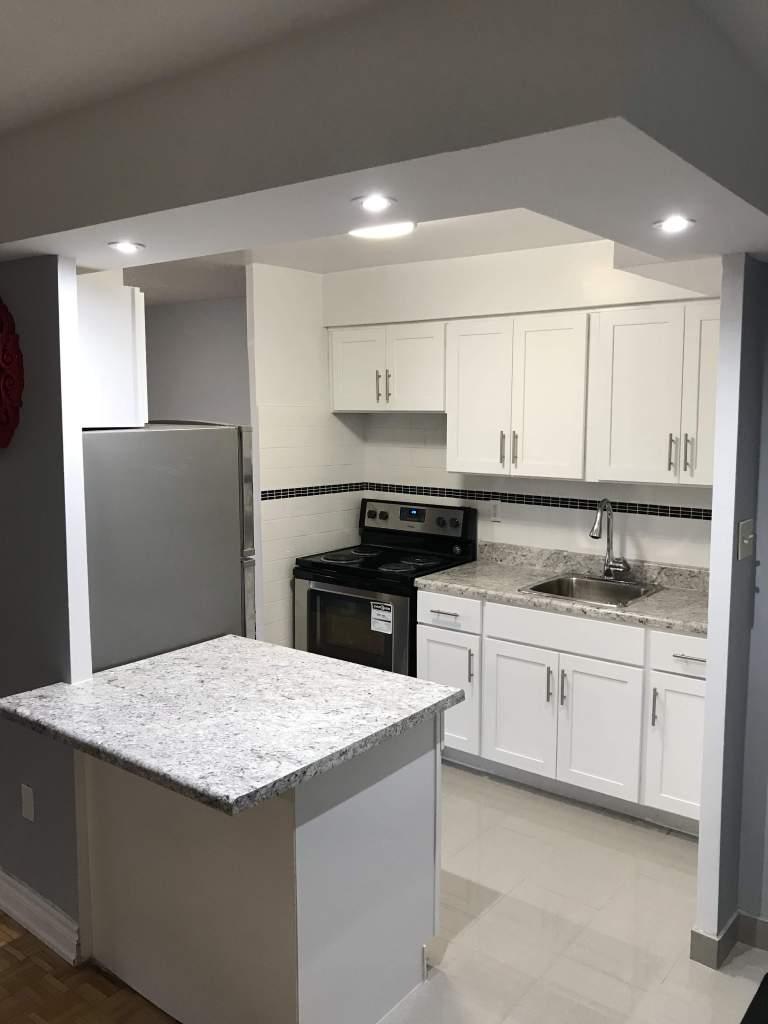 Modern kitchen with island -plan 2