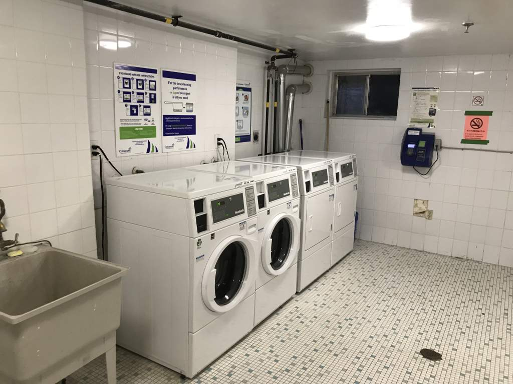 24 hr laundry access